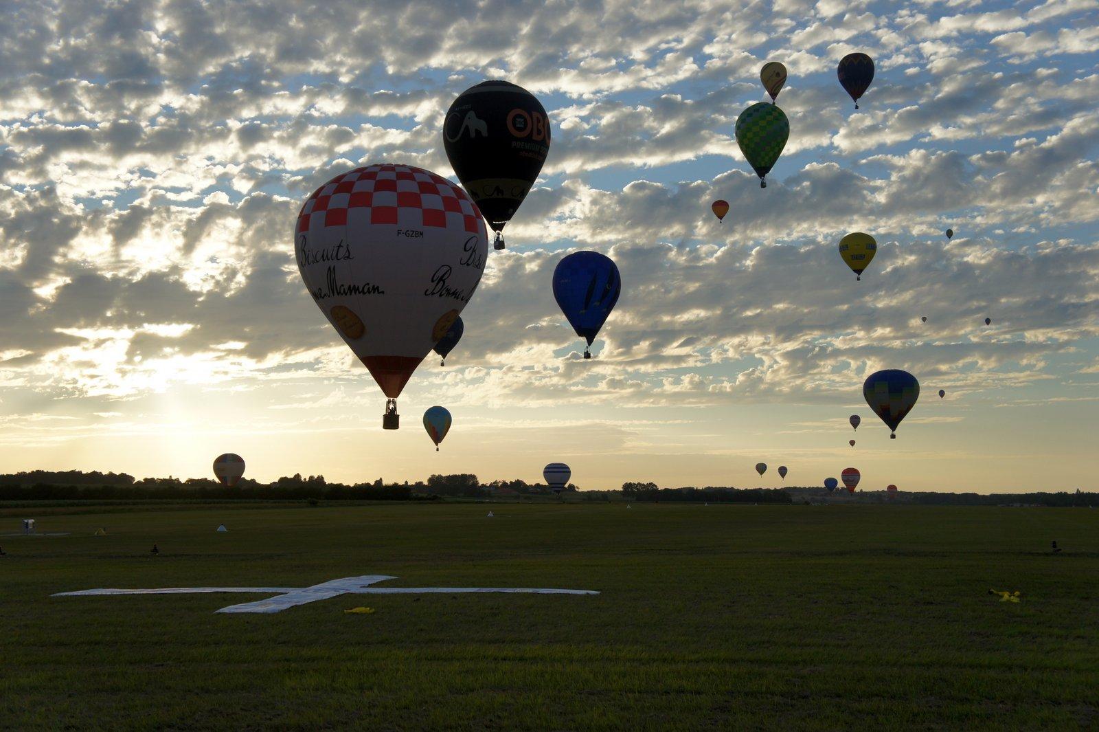 La compétition aérostatique : stratégie et précision d'exécution